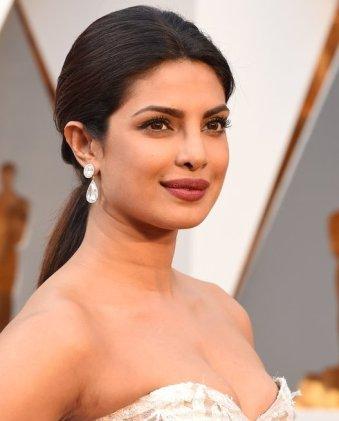 Priyanka-Chopra-Oscars-2016.jpg